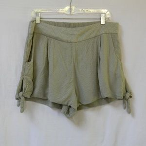 FREE PEOPLE Side Tie Army Green Shorts L Diamond